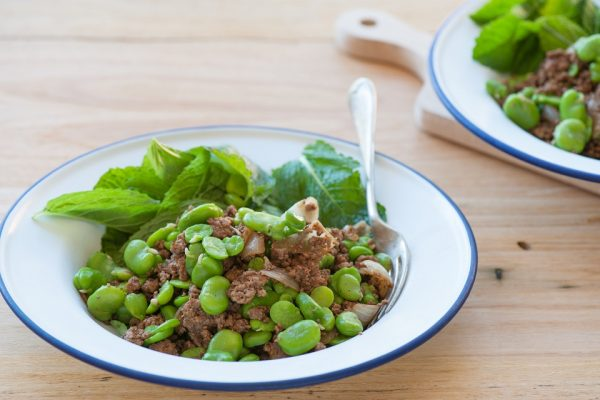 shelled broad beans and beef